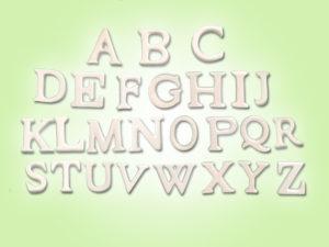 Keramik zuhausemalen.de | Buchstaben Höhe 3,5cm unsere kleinen Littels